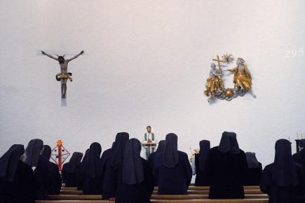 Die Schwestern in der Messe